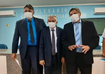 Roberto Dênis e Ruberson Marataoan assumem vaga na câmara municipal
