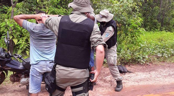 Policiais do GPM de Joaquim Pires apreendem 02 armas brancas durante blitz e abordagens