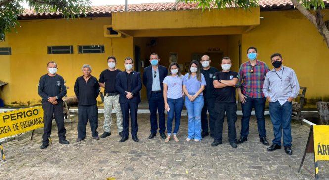 Sub-secretário de justiça anuncia reforma do presídio de Esperantina