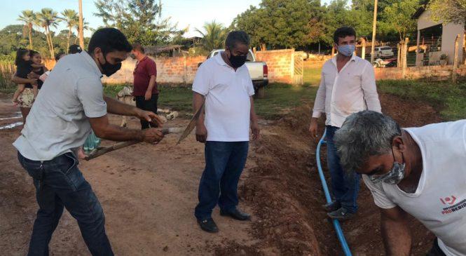 Famílias da comunidade Saquinho zona rural, recebem água encanada em suas residências