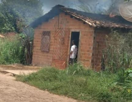 Homem que ateou fogo em casa morre em hospital de Piripiri