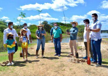 Dia mundial do meio ambiente em Esperantina com  plantio  de mudas nativas as  margens do rio Longá