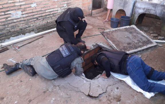 Polícia descobre drogas dentro de fossa em Joaquim Pires