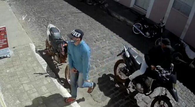 Bandidos assaltam três estabelecimentos comerciais em Pedro II