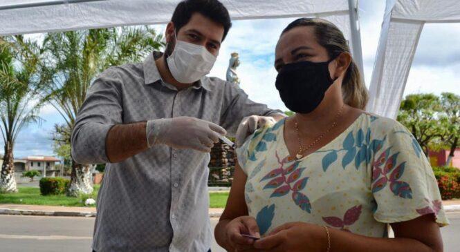 Esperantina é segundo lugar na aplicação de vacinas contra Covid-19