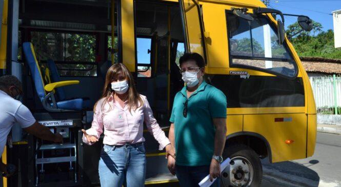 Prefeitura de Esperantina recebe novo ônibus escolar do Programa Caminhos da Escola