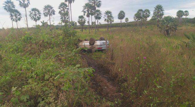 Motorista perde controle do veículo e desce aterro no rodoanel em Esperantina