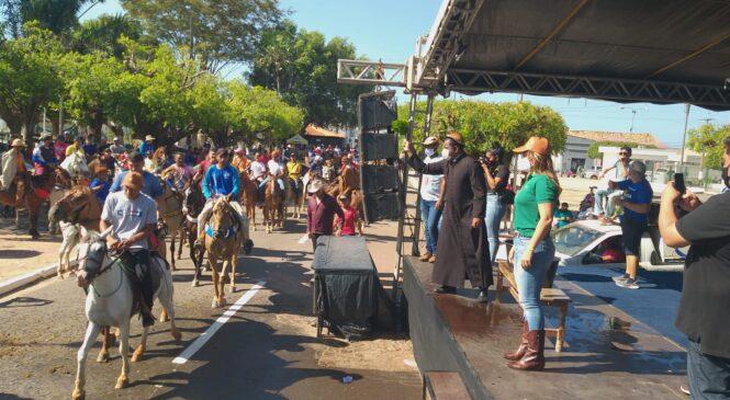 Cavalgada marca o dia municipal do vaqueiro em Esperantina